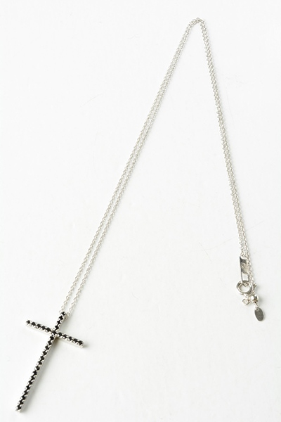 AMOUR CROSS NECKLACE